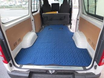 ハイエース専用荷室マット 両側スライドタイプ用_2