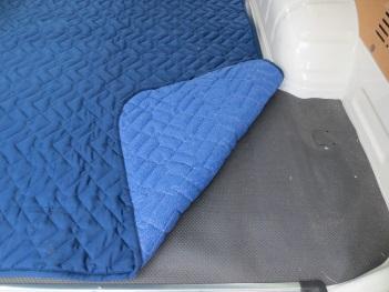 ハイエース専用荷室マット 両側スライドタイプ用_3