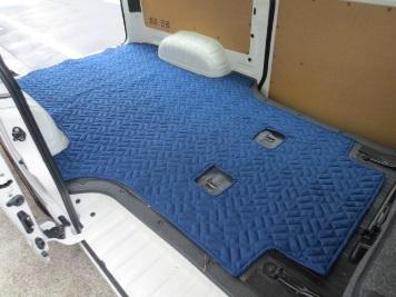 ハイエース専用荷室マット 両側スライドタイプ用_4
